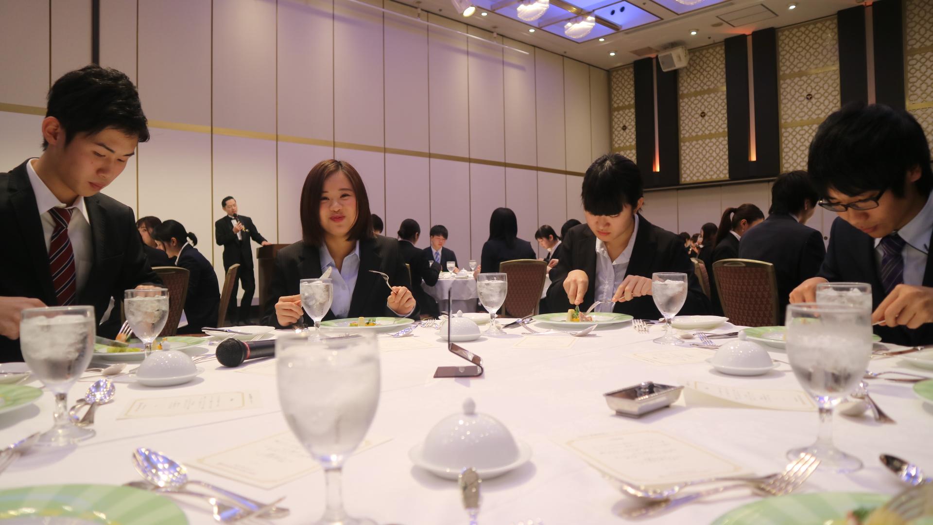 テーブルマナーの講習会